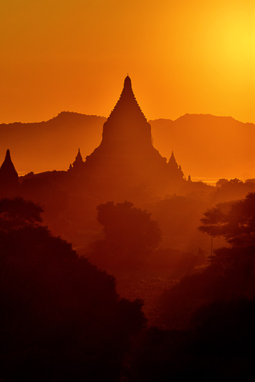 bagan at sunset from Shwesandaw Pagoda