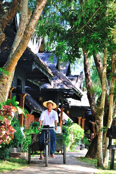 staff Inle lake Princess Resort