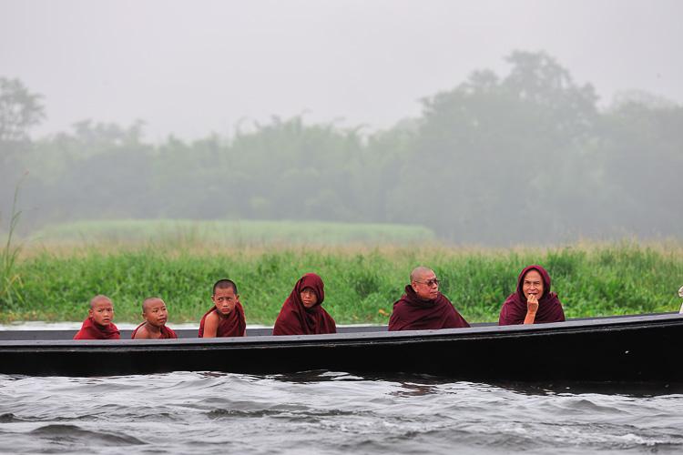 monks on Inle Lake