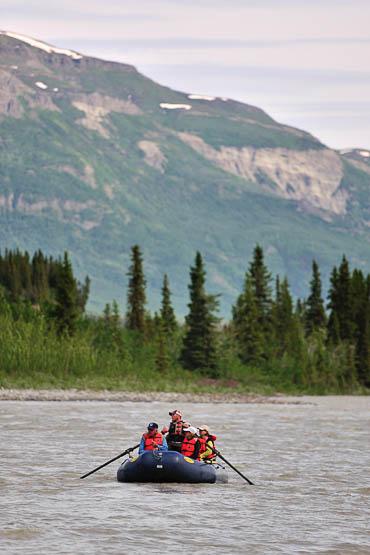 Rafting in Chitina river - Wrangell - St. Elias Alaska