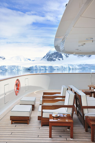 classe touriste travel blog » Blog Archive » BREAK THE ICE