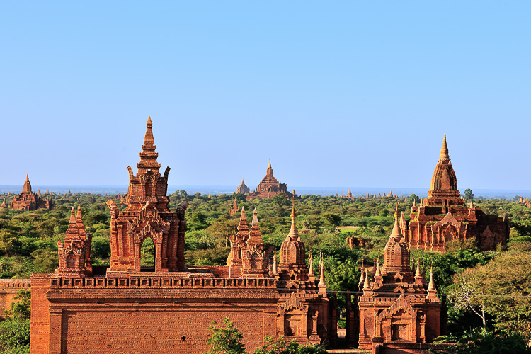 bagan view from gubyauk gyi temple